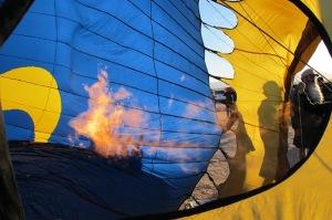 Roy Walz Blue Moon hot air balloon photo by Cheyenne MacMasters