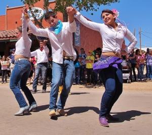 Gemas Folklorico Dancers
