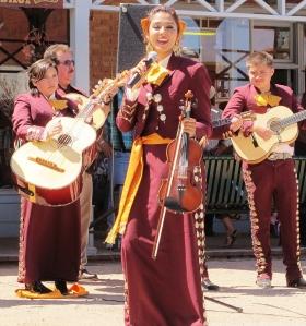 Nogales AZ Mariachi Apache Band
