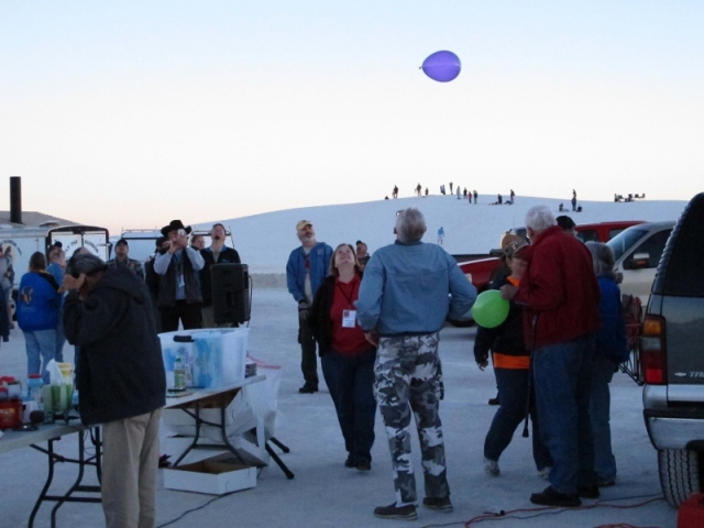 white_sands_hot_air_balloons_5_cheyenne_macmasters-800x600