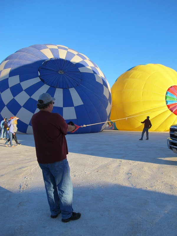 white_sands_hot_air_balloons_8_cheyenne_macmasters-600x800