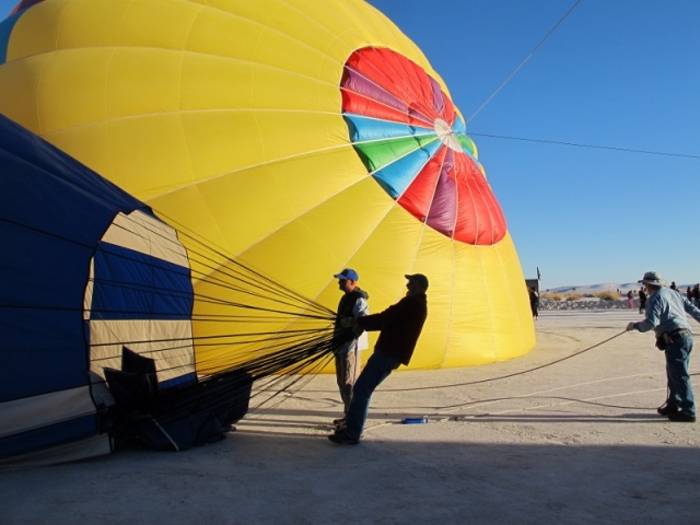 white_sands_hot_air_balloons_9_cheyenne_macmasters-800x600