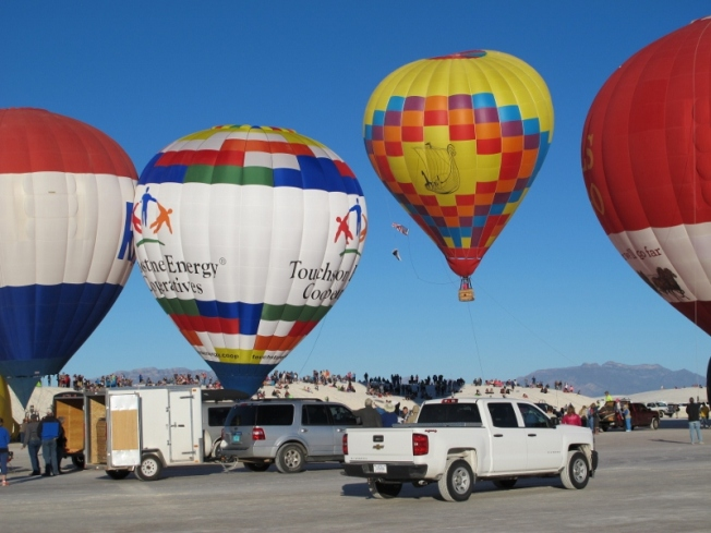 white_sands_hot_air_balloons_9c_cheyenne_macmasters-800x600